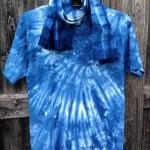藍染めのTシャツと手ぬぐい